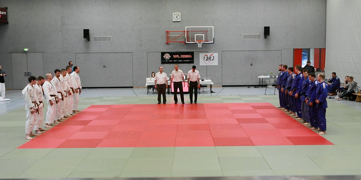 Bundesligasaisonauftakt in Riesa